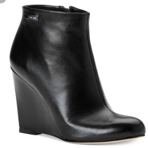 Great condition Calvin Klein black booties